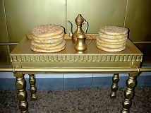 table-of-bread